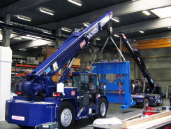 25 tm pick&carry electric crane
