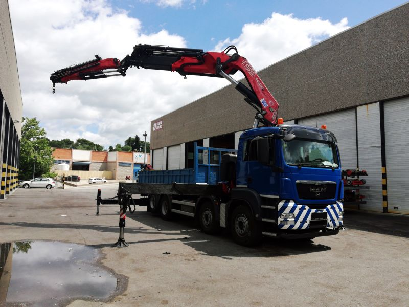 used Fassi F800BXP.27 knuckle boom crane delivery