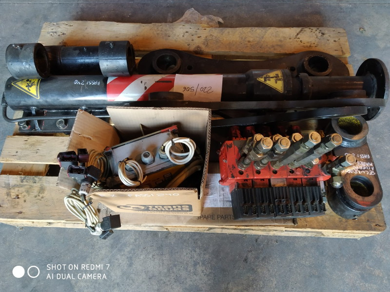 Spare parts for used crane Fassi F240A.26