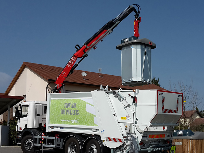 Fassi F165A.2.23 crane for recycling solids