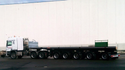 Semitrailer for transport of counterweights of mobile cranes