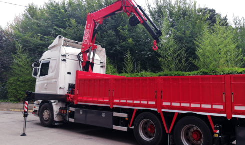 Fixed body and crane reconditing delivery
